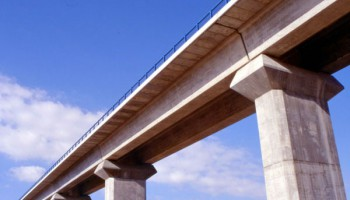 Isostatic Bridges